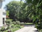1000m2 private garden
