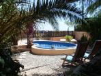 Pool & sunbeds