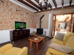 Hall with Flat TV, Internet and access to the Patio