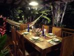Dining el fresco is what Queensland does very, very well, as on the verandah of the Retreat.
