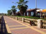 The promenade has 7 beachside bars