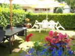 tavoli per mangiare in giardino