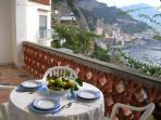 Dal terrazzo sulla baia di Amalfi