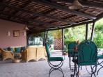 esterno patio pranzo salotto