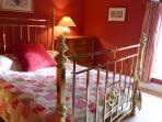 Cosy kingsize bedroom