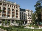Hotel Kempinski Palace nearby the flat
