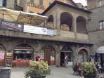 La loggia in Piazza Republica