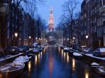 Old Amsterdam canals wintertime