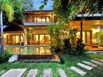 Villa (Baan) Jasmine front garden