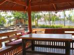 Thai-sala for drinks at sunset