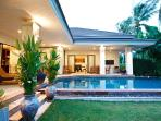 Spacious private holiday villa for 6 Guests with private pool