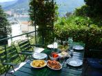 Al fresco dining under the shady pergola on the terrace