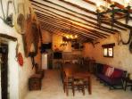Salón bodega El Pajar