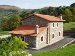 Fachada de la casa rural en Cantabria