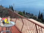 Happy hour in front of Lake Garda
