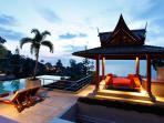 Poolside Massage Sala