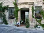 Provence : Room in a Renaissance Mansion