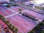 Pistas deportivas vistas desde la terraza