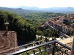 veduta di viggianello e della valle dal balcone del salotto