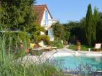 La maison est en pleine campagne Nivernaise à Decize avec piscine privée