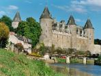 Chateau and canal in Josselin - boat and cycle hire possible