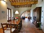 Luxury Casa Padrone: Dining room through to sitting room