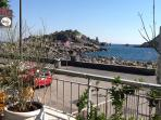 vista dell'Isola Lachea dal terrazzo
