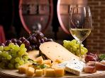 There are many wine tasting tours, here in Liguria. All to be discovered and enjoyed...