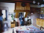 Les Andreys, gîte 'Le tavaillon' séjour-cuisine