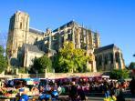 Cathédrale magnifique au coeur de la ville, à 5 minutes de la location