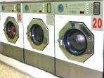 a self-service laundry 7/7 days from 50 m.