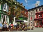 Dolgellau's restaurants, shops and bars are within walking distance