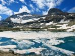 Mont-Perdu et lac glacé (Espagne) derrière le cirque d'Estaubé de Gèdre