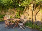 Enjoy the evening sun in Bronte School House garden
