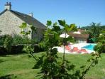 Le jardin, la maison, la piscine