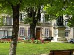 La maison du 18ème , place Monge , au coeur du centre historique de Beaune...