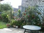 notre petit jardin au calme