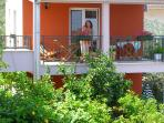 Apartment 50m2,with separeted entrance,first floor,terrace with garden furniture and sea view