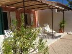 terrasse avec transats  jardins 90m²