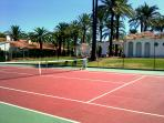 Tennis club nearby