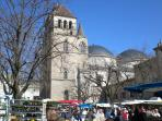 Cahors market and double-domed cathedral