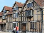 VISIT WILLIAM SHAKESPEARE'S HOUSE AND RELIVE HISTORY