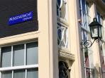 Prinsengracht street sign nearby