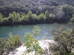 Hérault river for canoeing, fishing, swimming, sunbathing