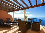 SUNNY APARTMENT WITH SUPERB VIEWS OVER FUNCHAL AND THE ATLANTIC OCEAN