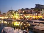 Marina Duquesa (10 mins by car)offers a plethora of restaurants,shops and live entertainment venues.