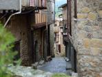Entorno/Localidad. Mogarraz, pueblo de interés turístico nacional