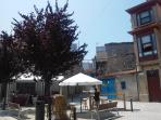 Calle Ferreiros - plaza con terrazas