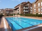 piscina y solarium