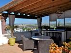 Terrace - 180 degree view of the city